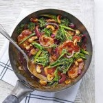 Sichuan pork, broccoli & cashew stir-fry